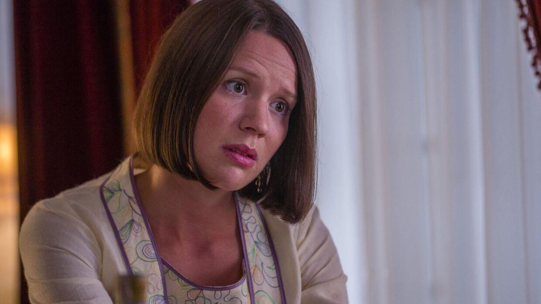 Halvvejs inde i sæson 3 af TV 2s 'Badehotellet' er figuren Amanda stadig gift med grev Ditmar, til trods for at kærligheden mellem parret er nærmest ikke-eksisterende.