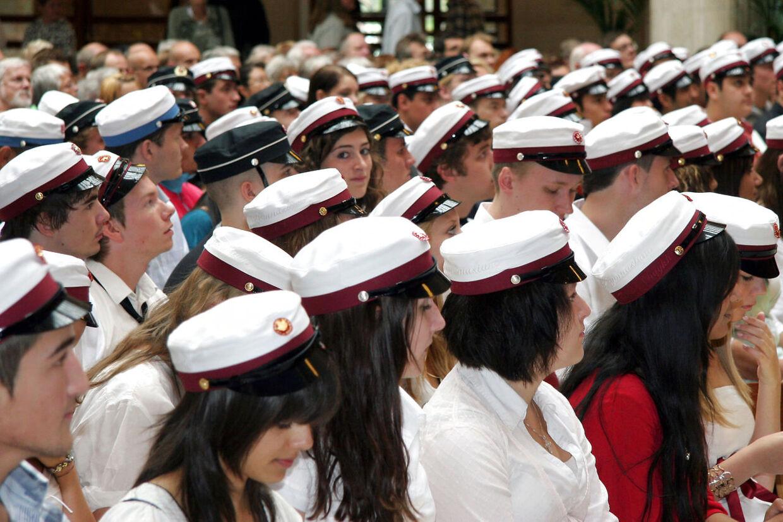 På Øregård Gymnasium har en klasse fået lov til at gennemføre et helt skoleår, uden at få karakter i en række vigtige fag, såsom dansk og matematik.