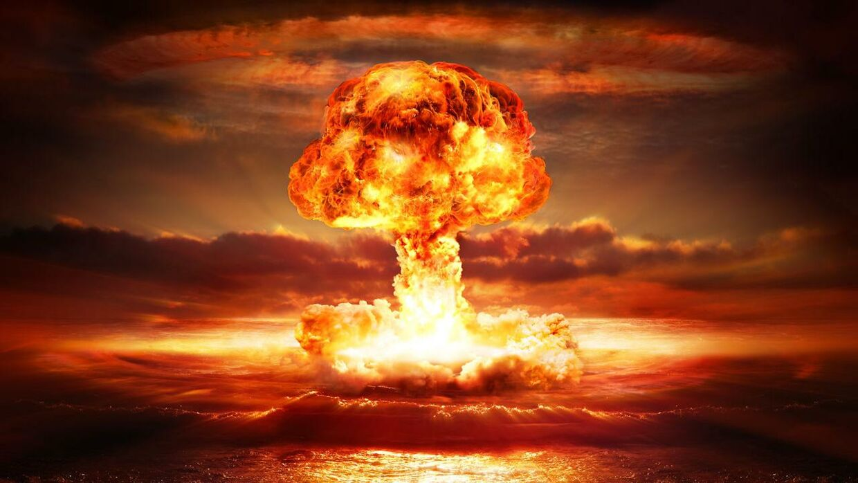 Napoléon Bonaparte dans Smash Ultimate ? 11491328-explosion-nuclear-bomb-in-ocean