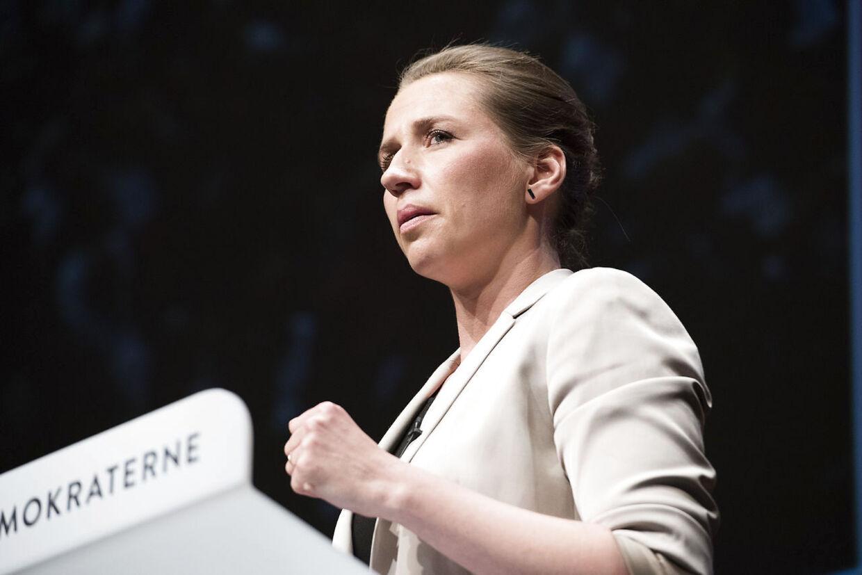 Nu skal Mette Frederiksen vise, at hun ikke kun er