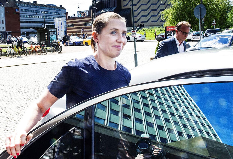 Søndag eftermiddag stod det klart, at der ikke er nogen modkandidater, og dermed bliver det med Mette Frederiksen i spidsen, at partiet nu skal forsøge at genvinde magten ved næste folketingsvalg.