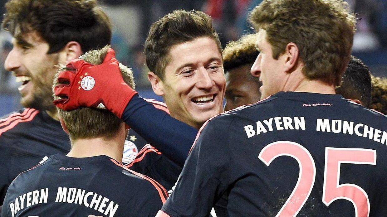 Robert Lewandowski sørgede egenhændigt for en Bayern-sejr i Hamburg.