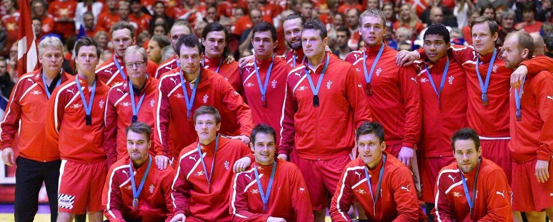 De danske håndboldherrer spillede et godt EM på hjemmebane, men desværre blev det kun til sølvmedaljer efter et forsmædeligt nederlag til Frankrig i finalen.