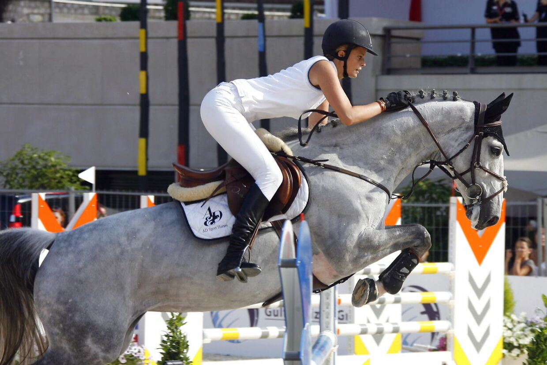 Athina Onassis de Miranda ved en springkonkurrence.