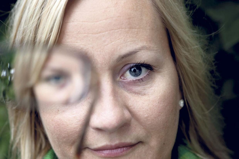 f589e0e29ef4 Det er slut med briller for 35-årige Katrine Nordvig. Tidligere var hun  meget