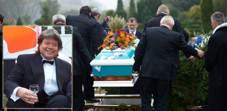 Frank Steen blev begravet i en festlig kiste i Kerteminde.