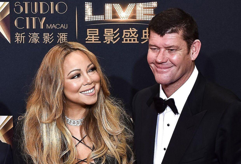 Den amerikanske sangerinde Mariah Carey og den australske rigmand James Packer er blevet forlovet. Med en 35 karats diamantring friede han torsdag til hende. Og hun sagde: 'Ja'. Her er parret sammen ved en tidligere begivenhed. AFP PHOTO / FILES / Philippe Lopez