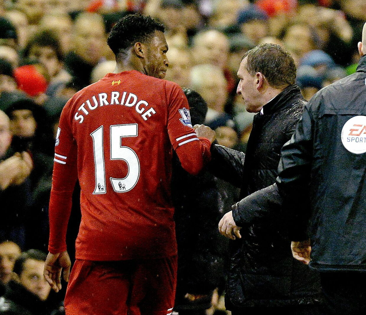 epa04046053 Liverpool's Daniel Sturridge (L ) walks past Liverpool's manager Brendan Rodgers ( R) after being substituted during their English Premier League soccer match at Anfield, Liverpool, Britain, 28 January 2014. EPA/PETER POWELL http://www.epa.eu/files/Terms%20and%20Conditions/DataCo_Terms_and_Conditions.pdf