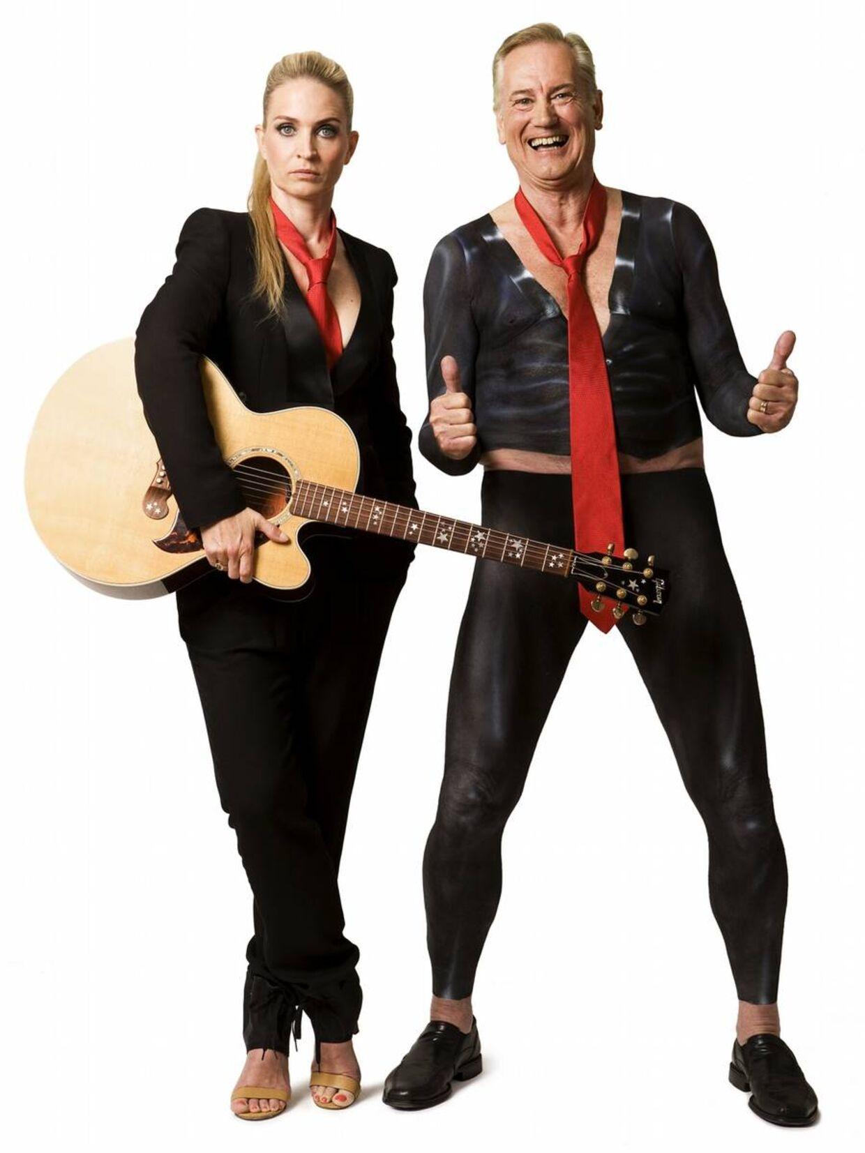 Pressefoto fra Annette og Keld Heicks fælles show fra 2013 med titlen '2 x Heick'.