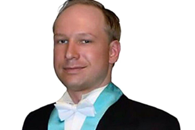 62c63a888b9 Breivik vil møde op i retten i kjole og hvidt   BT Udland - www.bt.dk