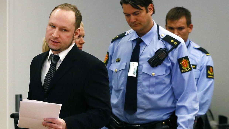 Anders Breivik truer med at tage sit eget liv.