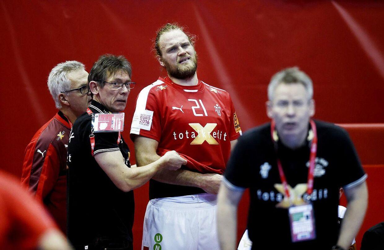 Henrik Møllgaard kan ende i et dillemma i Polen. Fruen er højgravid.