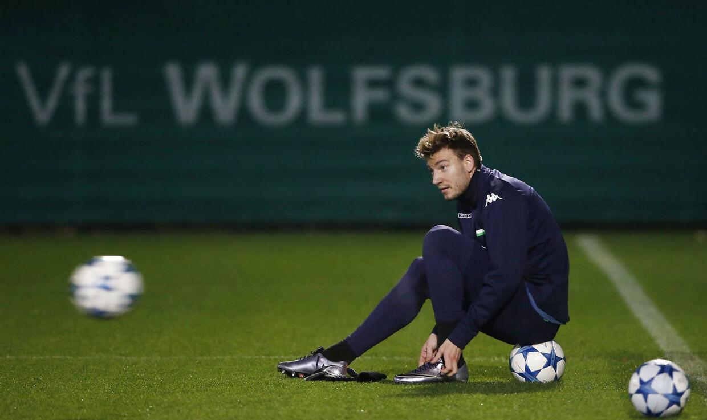 ARKIVFOTO 2015 af Wolfsburg's Nicklas Bendtner under træning- - Se RB 16/2 2016 12.54. I en mail bekræfter Wolfsburgs presseafdeling, at Nicklas Bendtner ikke er med i onsdagens CL-kamp mod Gent. (Foto: Carl Recine/Scanpix 2016)
