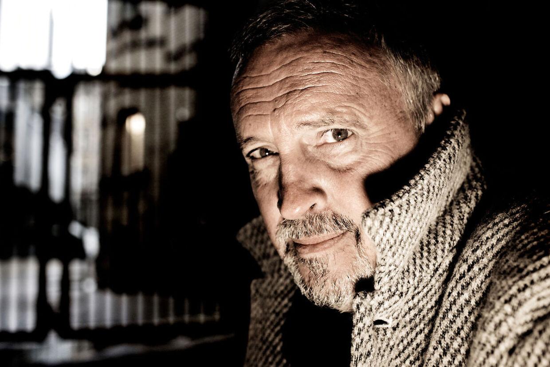 Forfatter Jussi Adler-Olsens længe ventede femte bind i serien om Afdeling Q - Marco effekten - er i handlen 6. december.
