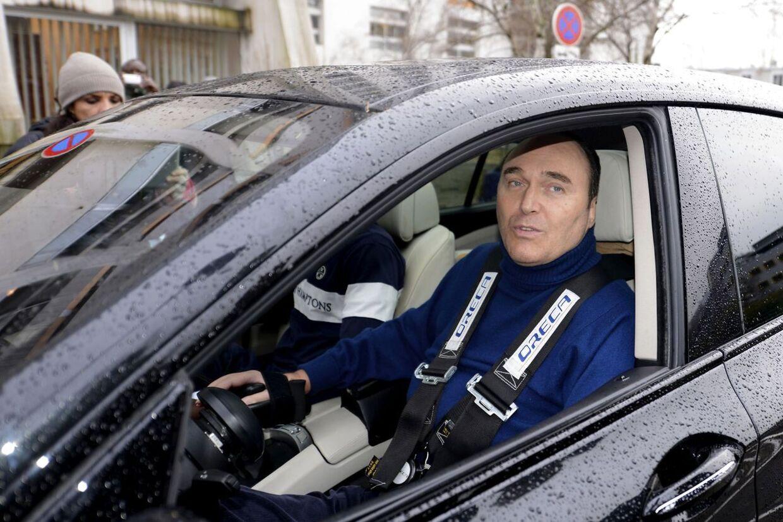 En god ven af Michael Schumacher fortæller, at den tyske Formel 1-konge ikke længere er i livsfare efter sin alvorlige skiulykke i Frankrig.
