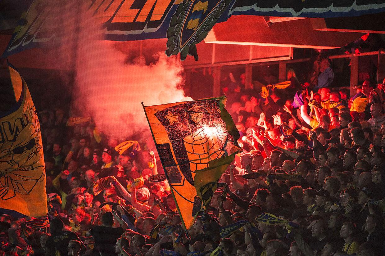 ARKIV: Brøndby-fansene på billedet har intet at gøre med hændelsen. (Foto: Nils Meilvang/Scanpix 2015)