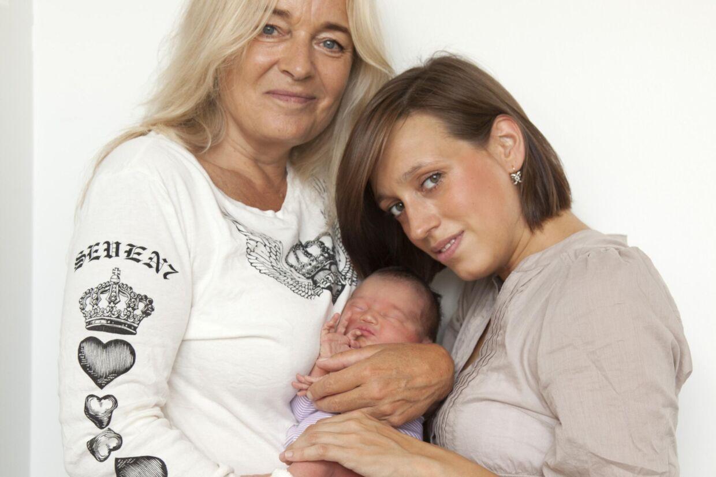 Anne Linnet, Tessa og deres lille nyfødte datter.