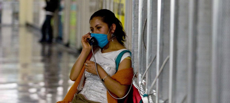 Svineinfluenzaen har efterhånden krævet 103 døde i Mexiko, og sygdommen har efterhånden spredt sig til flere lande, bl.a. Canada og Australien.