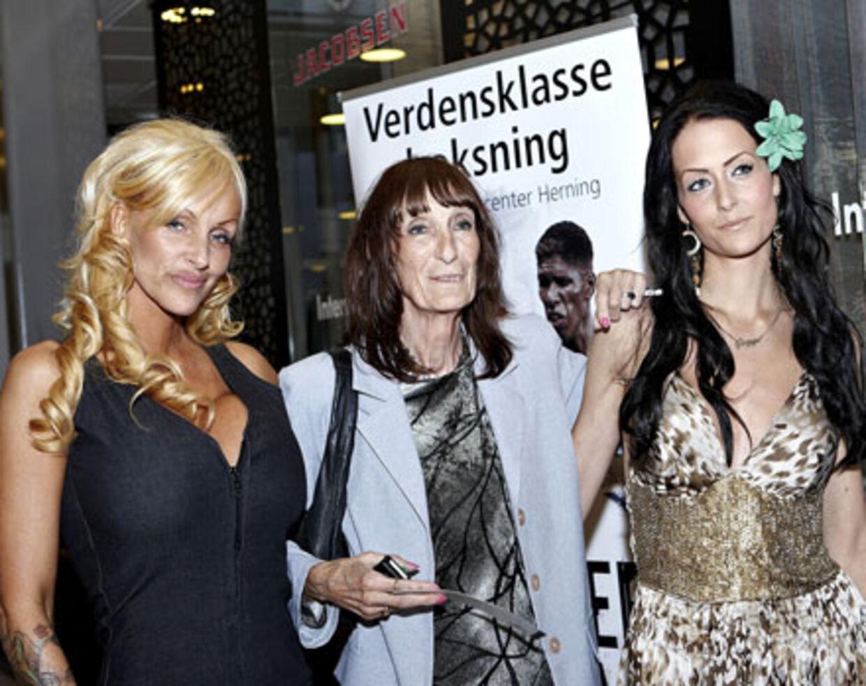 5bfe8008a349 Emilie Langbo Holm Tre Kessler-generationer bakker Mikkel op i Herning. Fra  venstre søster Linse