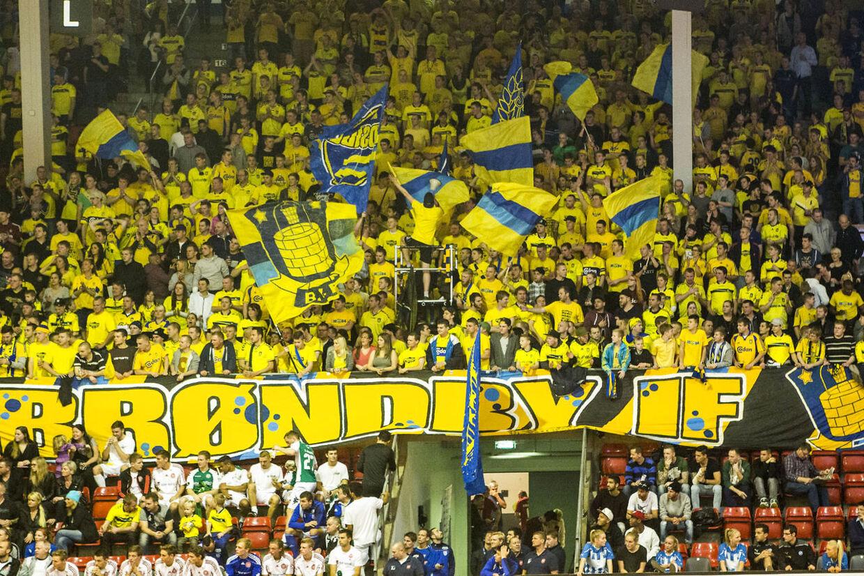 Viasat Cup i Brøndbyhallen. Brøndbys fans.