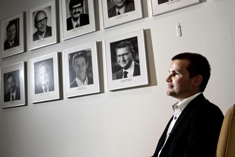 Skatteminister Thor Möger Pedersen og andre ministre opfordrer kandidater til stillingen som særlig rådgiver til at søge jobbet. Men men men... (arkivfoto)