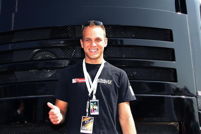 Marco Sørensen er tæt på at få et reservesæde hos Team Lotus