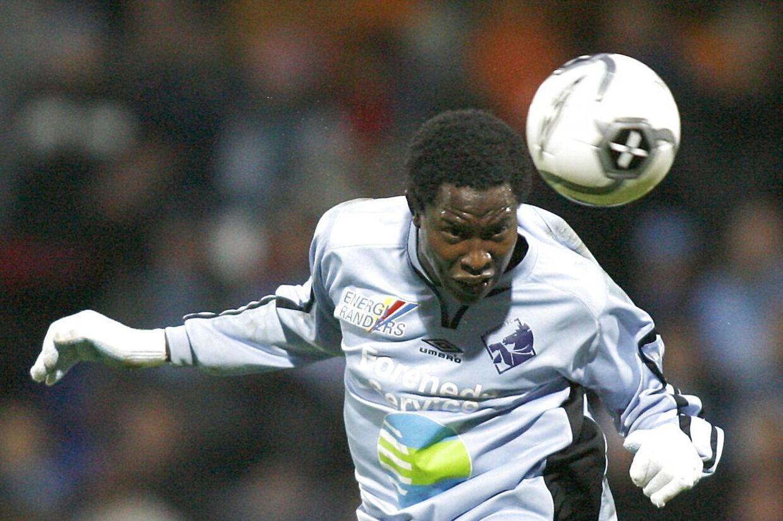Baye Djiby Fall havde stor succes i Randers, og nu kan han snart trække i den lyseblå trøje igen.