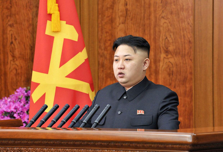 Nordkoreas leder Kim Jong-un beordrede i slutningen af januar sit land i undtagelsestilstand samtidig med, at han varslede en atomprøvesprængningen.