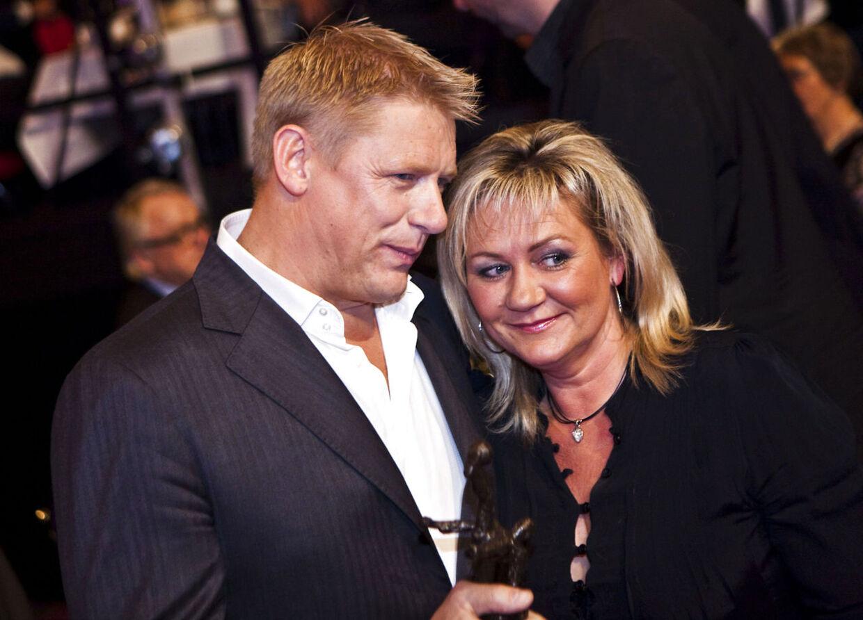 Blev Bente Schmeichel træt af at stå i sin mands skygge? Det kan være årsagen til, at parret skal skilles efter 31 års samliv.