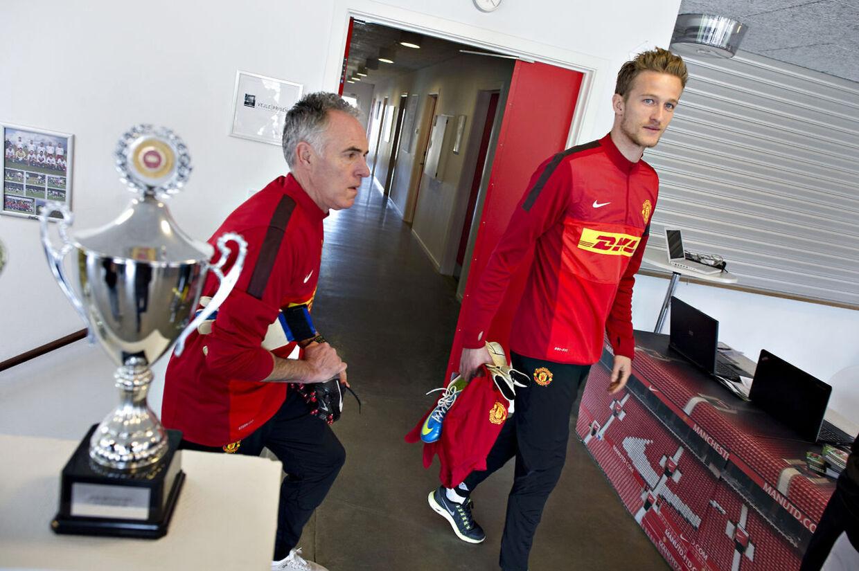 Manchester United-målmand danske Anders Lindegaard besøgte onsdag Vejle som led i Manchester Uniteds fodboldskole. Med sig havde han også Manchester Uniteds målmandstræner Eric Steele.