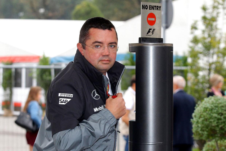 Eric Boullier ankommer her til Monza-banen. Han tror fast på et topresultat til Kevin Magnussen søndag eftermiddag.