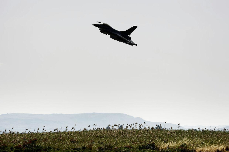 I NATOs årsrapport fremgår det, at russisk luftvåben skulle have øvet atom-angreb mod Sverige. Danske kampfly har gennem årene ofte været på vingerne for at 'afvise' militærfly fra Rusland, der flyver tæt på dansk luftrum.
