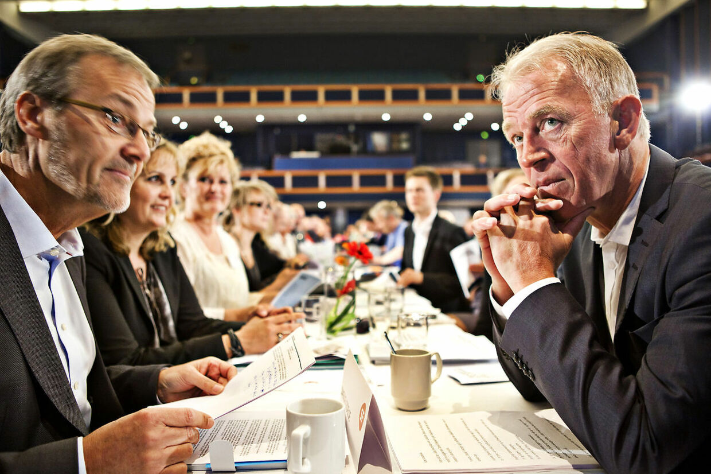Ole Sohn og Villy Søvndal ved SFs landsmøde lørdag den 14. maj 2011 i Falkoner Centret på Frederiksberg. Blandt flere SF'ere udtrykkes der nu bekymring over partiets linje. Arkivfoto.