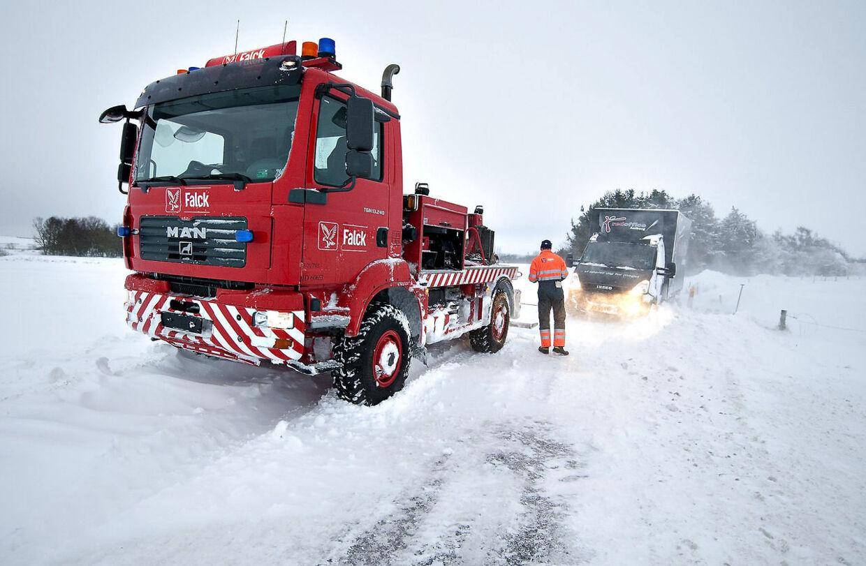 500 bilister havde brug for Falcks hjælp mandag morgen, og redningsmandskabet ruster sig til en travl dag. (Arkivfoto)