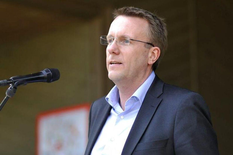 - Med det brede politiske flertal hen over midten sikrer vi nu, at der er opbakning til en udlændingepolitik på midten af dansk politik, der er robust og retfærdig, siger justitsminister Morten Bødskov.