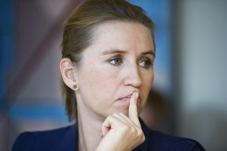 Beskæftigelsesminister Mette Frederiksen er forsigtigt glad for de nye jobtal.