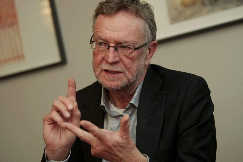 Region Midtjylland har i løbet af halvanden måned ansat 18 personer i såkaldte akutjob. Det er under 10 procent i forhold til det mål, regionen har sat. Alligevel er regionsdirektør Bo Johansen optimist.