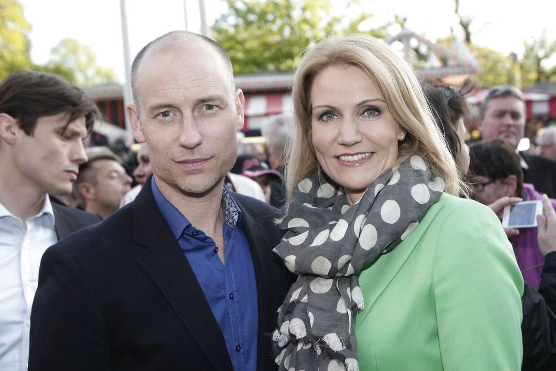Tidligere spindoktor Peter Arnfeldt og Skatteministeriet nærede en særlig interesse for Thorning-parrets lejlighed i London.
