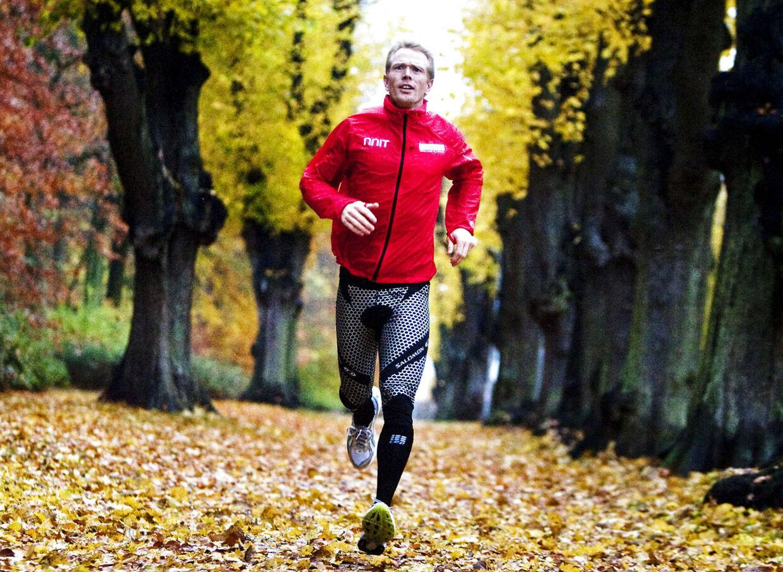 Ultramotionisten Kim Greisen må opgive at gennemfører 30 ironman-løb på 30 dage på grund af et brækket lårben. For nogle år siden blev han landskendt i Danmark efter at have gennemført en 20-dobbelt ironman - 76 kilometers svømning, 3600 kilometers cykling og 844 kilometers løb - på 21 dage i Mexico. (Arkivfoto)