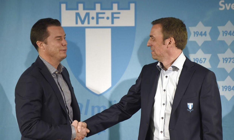 Daniel Andersson byder Allan Kuhn velkommen som ny cheftræner i Malmö FF.
