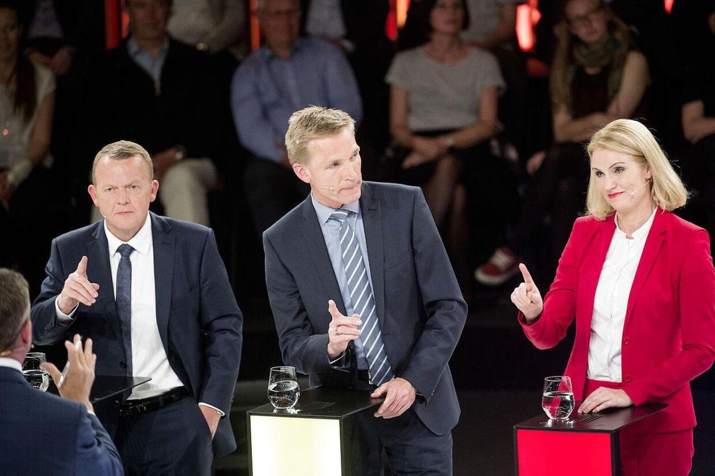 Dansk politik er gennemsyret af en fremmedfjendsk retorik, mener Aftonbladets lederskribent Anders Lindberg. Her ses Lars Løkke Rasmussen (V), Kristian Thulesen Dahl (DF) og Helle Thorning-Schmidt (S) under tirsdagens partilederrunde på DR.