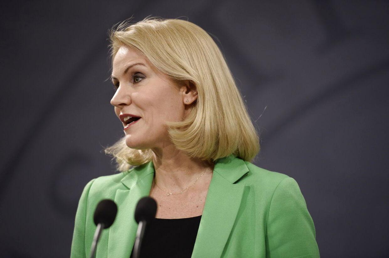 Statsminister Helle Thorning-Schmidt annoncerer valg i Spejlsalen onsdag den 27. maj 2015.