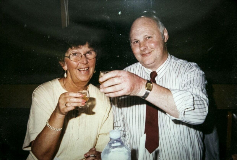 Her ses Ruth Jørgensen med sin mand, Aage Jørgensen, der døde i 2010. Parret plejede at spille på den samme fem-ugers-kupon, som i sommeren 2015 gjorde Ruth Jørgensen lottomillionær.