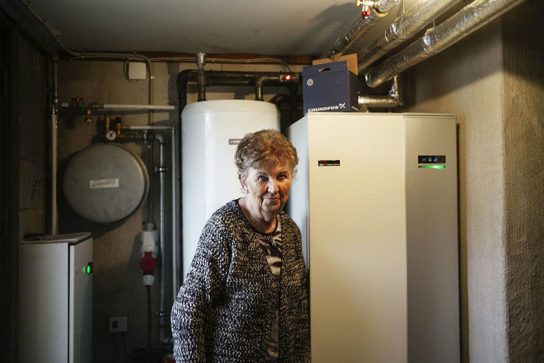 76-årige Ruth Jørgensen har bl.a. brugt sin lottogevinst på at få installeret jordvarme i sit hus. Foto: Asbjørn Sand.