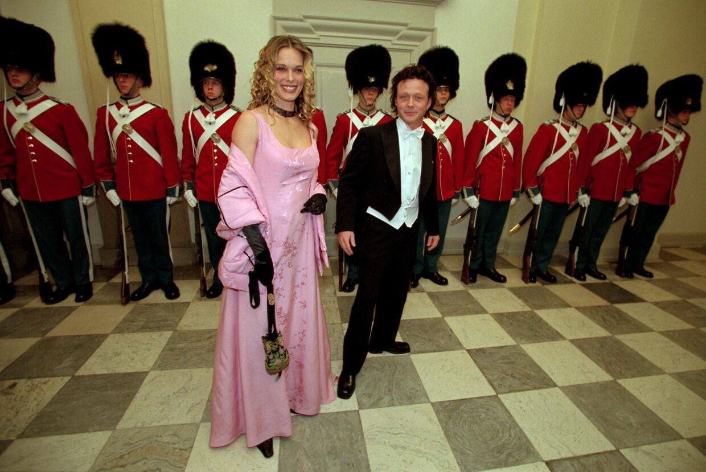 Renée Toft Simonsen og Thomas Helmig til bal hos Dronning Margrethe på Amalienborg i 1998. Foto Jørgen Jessen
