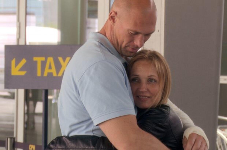 Lars fra 'Gift ved første blik' har fundet kærligheden - dog ikke med Jeannette, som han ses på billedet sammen med.