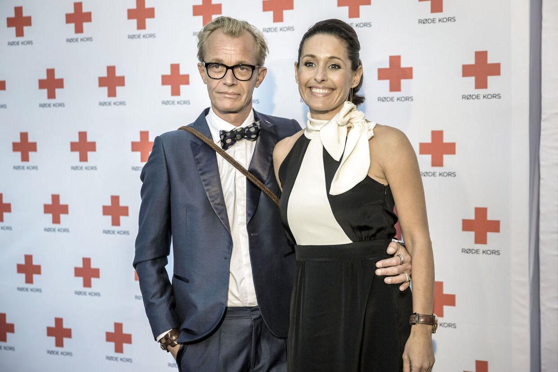 Privat danner Mette Walsted Vestergaard par med fotografen Jan Grarup. Her ses de til jubiliæumsmiddag for Røde Kors den 11. september 2014.