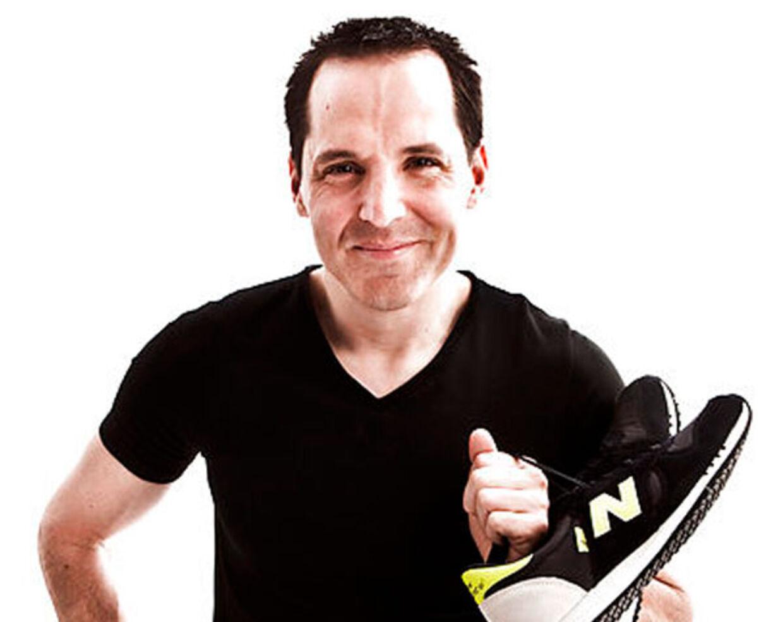 Alle kan komme i form ved at gå, mener B.T.s sundhedsekspert Chris MacDonald.