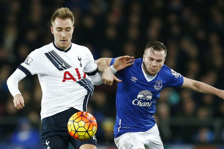 Christian Erikseni aktion mod Evertons Tom Cleverley