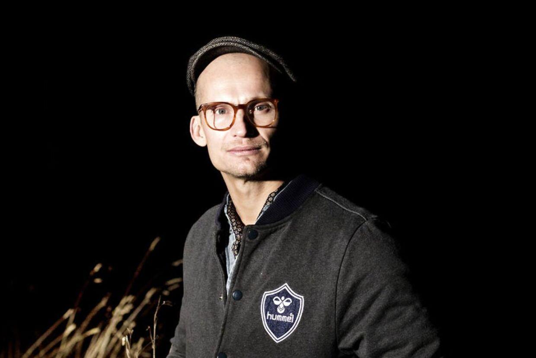 Hummel-direktør Christian Stadil fortæller i nyt interview om, hvordan han blev overfaldet af gaderøvere sidste år..